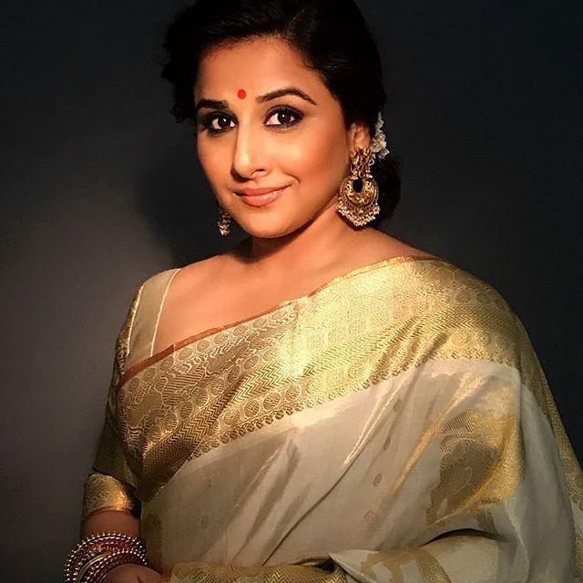 Bhool Bhulaiyaa-bollywood-sexy-heroine-vidya balan-saree-stills-indiasaree-kerala-tradition-onam-saree-images