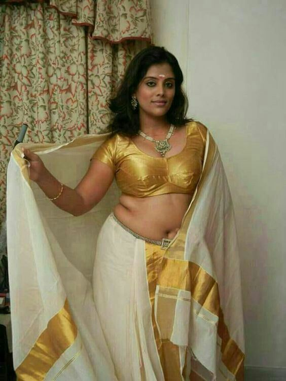 Sexy Saree Pallu Drop images hot Under rated actress