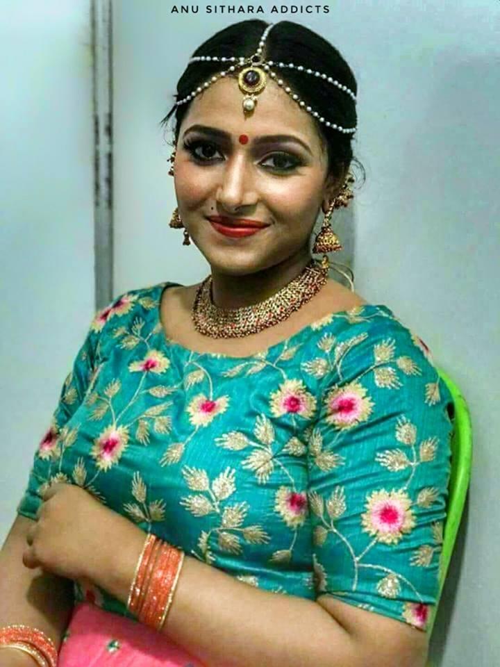 Mallu Actress boobs beauty Anu Sithara sexy hot photo gallery
