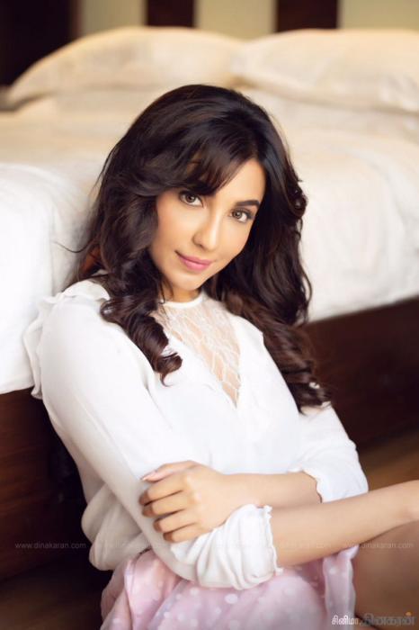 parvatii nair mallu actress photo shoot pictures - tamil cine stars actress stills