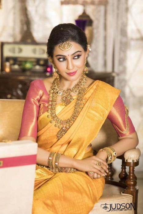 parvatii nair mallu actress sexy hot seducing photo shoot pictures (1)