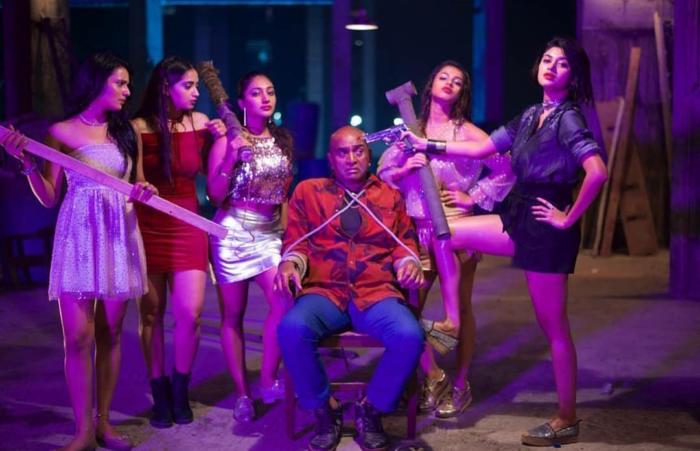 90ml-actress-stills-hot-sexy-big-boss-oviya-helen-masoom-shankar-shree-gopika-bommu-lakshmi-monisha-ram-photos