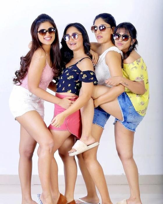 Latest Stills-tridhachoudhury-dhanyabalakrishna-siddhiidnani-komaliprasad tollywoodactress-Tollywood-actress-Actresshot-stills 12