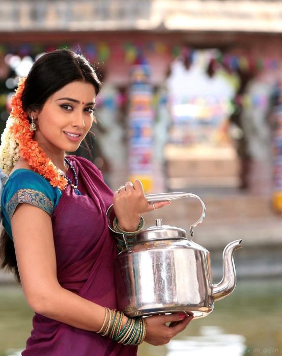shriya saran-atm-movie-90s kids actress